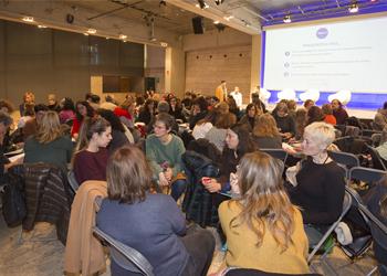 Treball en xarxa, reconeixement dels agents educatius i més finançament: idees més compartides als espais de debat
