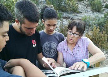 El territori: escenari o destinatari de l'acció educativa?